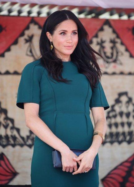 «Подарок для королевы!»: Меган Маркл может родить на день рождения Елизаветы II – букмекер