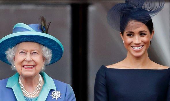 Королева Елизавета передала Меган Маркл покровительство над Национальным театром