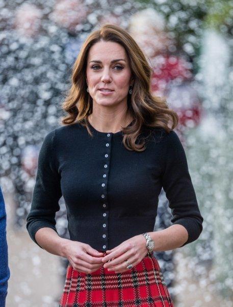 Кейт Миддлтон в старом пальто появилась на церковной службе