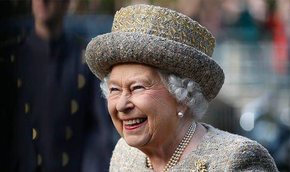 Принц Гарри хотел отказаться от своего королевского титула - биограф