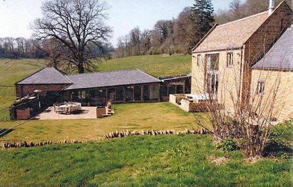 Принц Гарри и Меган Маркл арендовали сельский дом для тайных вечеринок