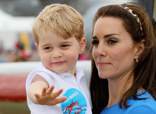 СМИ: Террористы угрожают отравить Кейт Миддлтон и принца Джорджа