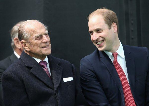 Принц Уильям мог не получить высшее образование из-за дедушки – биограф