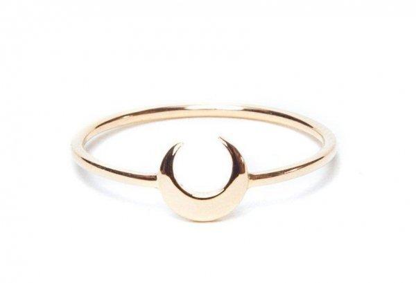 «Принц Гарри разорится!»: Меган Маркл похвасталась новым золотым кольцом – СМИ