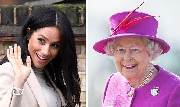 Тон в тон: 92-летняя королева Елизавета научила Меган Маркл «стильно» одеваться