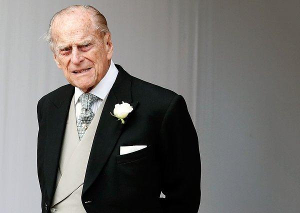 Б/у дороже нового: Муж королевы Елизаветы продает Range Rover за $163 000