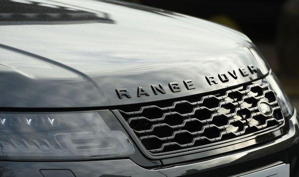 Б/у дороже нового: Муж королевы Елизаветы продает Range Rover за 3 000