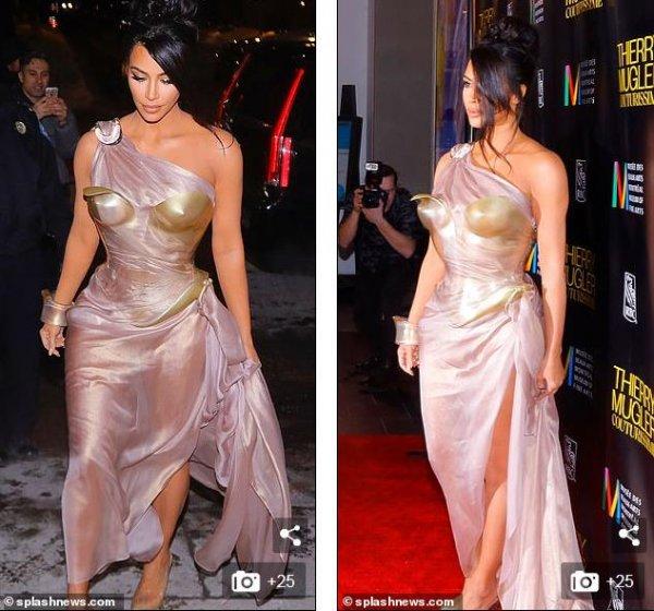 Эпатажно и стильно: Ким Кардашьян в образе «чудо-женщины» удивила фанатов