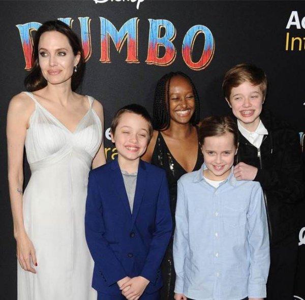 Взрослые и счастливые: Анджелина Джоли вывела в свет четверых детей