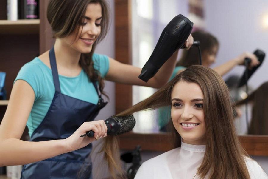 Как подобрать парикмахерское кресло, комфортное для клиента