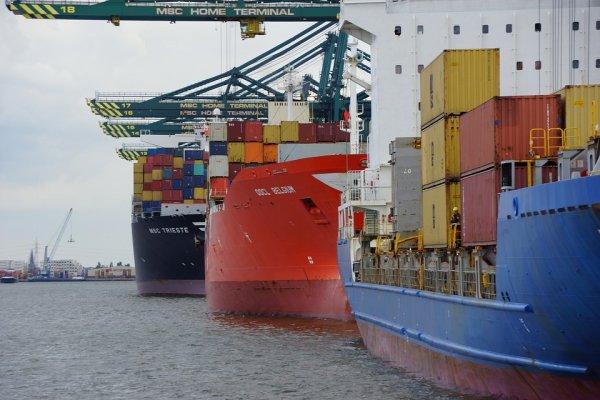 Международные грузоперевозки c Quattro Logistics: услуги и преимущества работы компании.